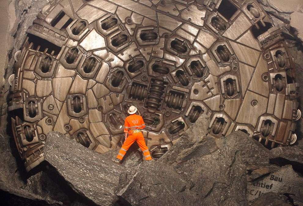 Neat-gotthard-base-tunnel_reuters_arnd-wiegmann_